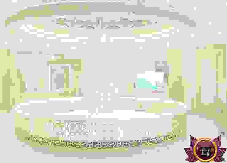  Beautiful house interiors from Katrina Antonovich Classic style corridor, hallway and stairs by Luxury Antonovich Design Classic