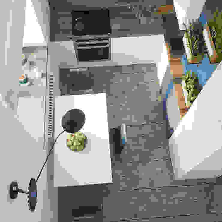 Nhà bếp phong cách tối giản bởi ДОМ СОЛНЦА Tối giản