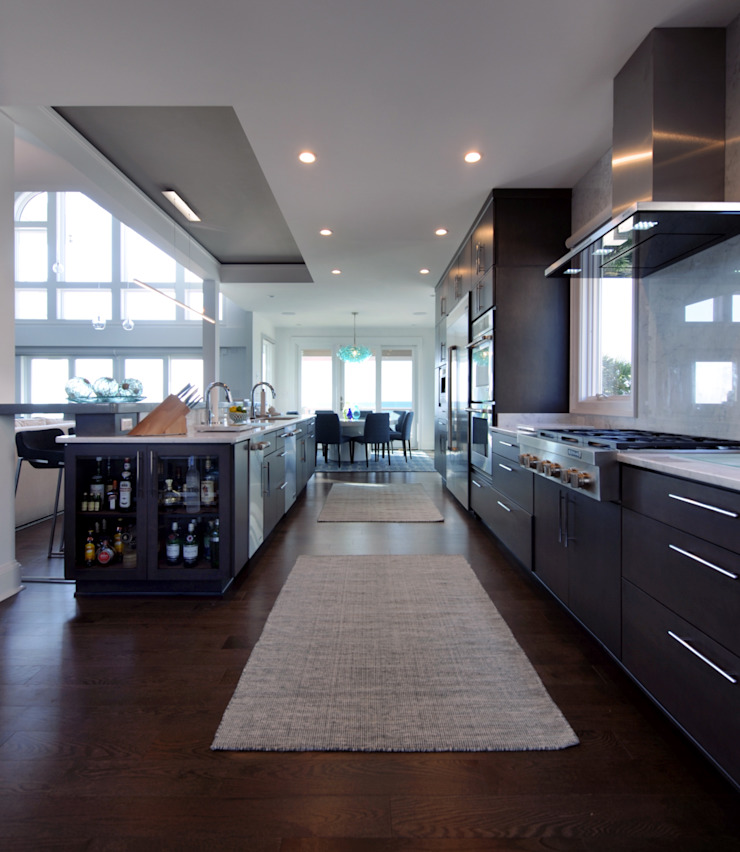 Contemporary Open Concept Kitchen Olamar Interiors, LLC Modern kitchen White