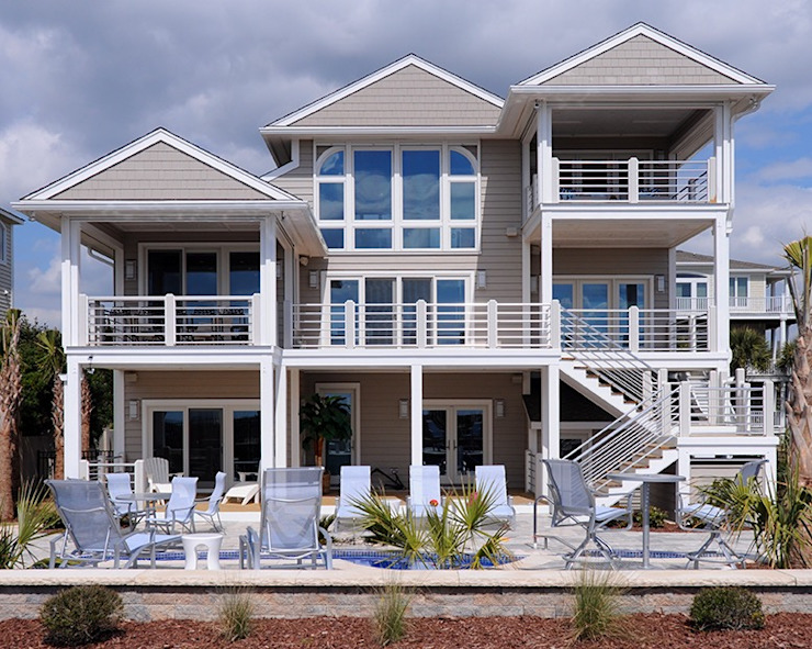 Modern Beach Home Olamar Interiors, LLC Modern houses Wood Grey