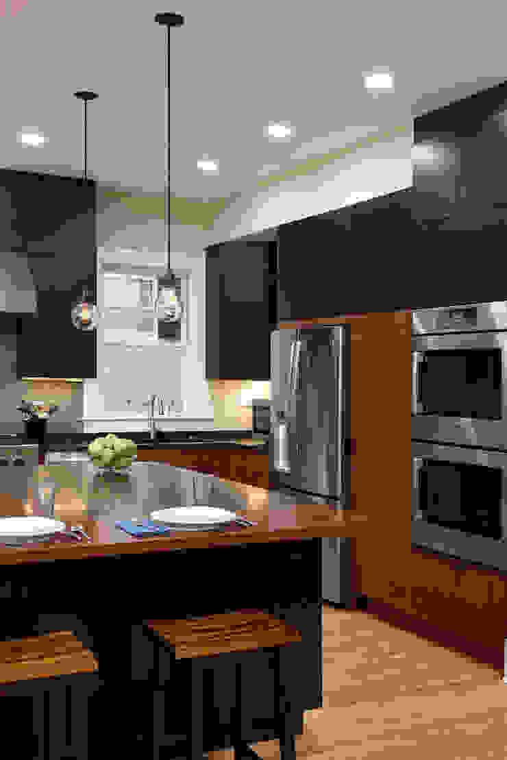 Cozinhas modernas por BOWA - Design Build Experts Moderno