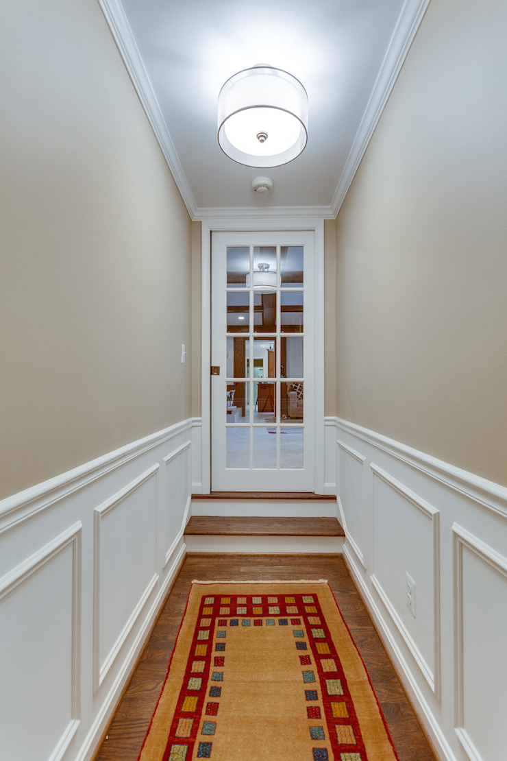 Universal Design Master Suite Renovation in McLean, VA Minimalist corridor, hallway & stairs by BOWA - Design Build Experts Minimalist