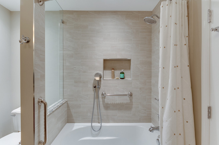 Universal Design Master Suite Renovation in McLean, VA Minimalist style bathroom by BOWA - Design Build Experts Minimalist