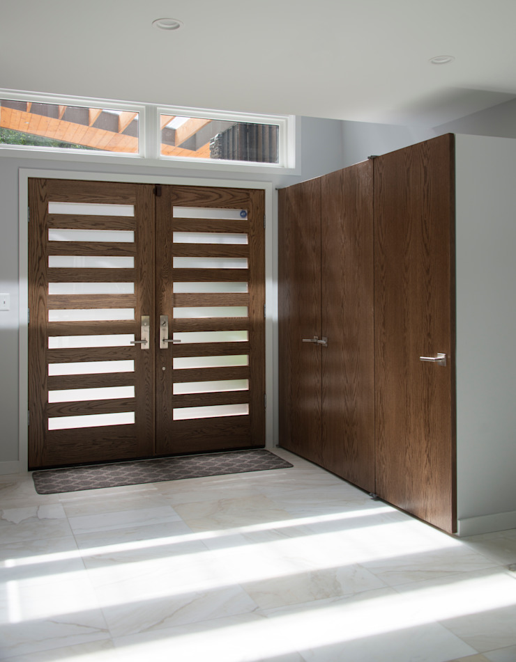 Pasillos, vestíbulos y escaleras modernos de ARCHI-TEXTUAL, PLLC Moderno