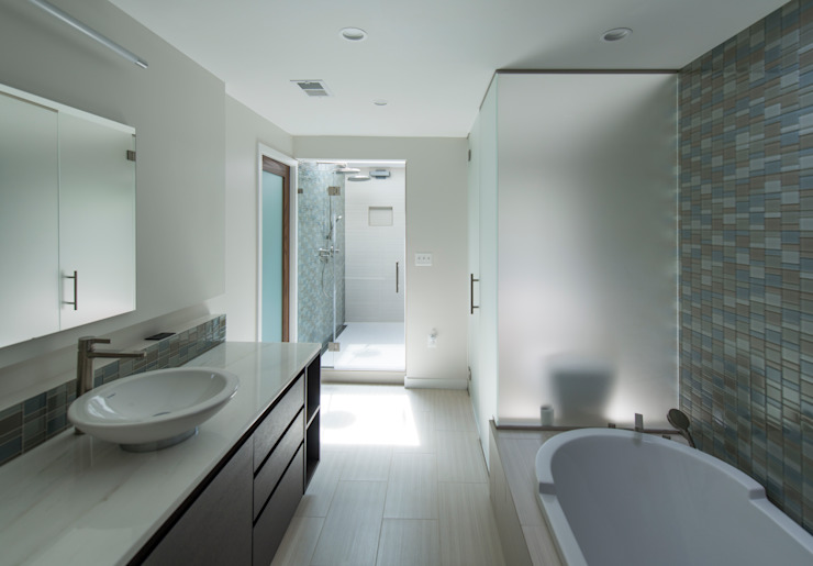 ARCHI-TEXTUAL, PLLC Modern bathroom