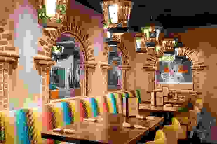 Restaurant by Kellie Burke Interiors Mediterranean