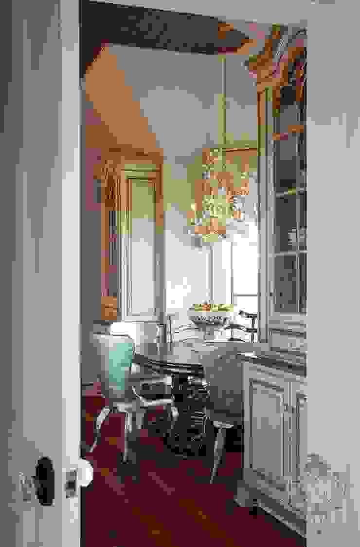 Breakfast Nook by Kellie Burke Interiors Classic