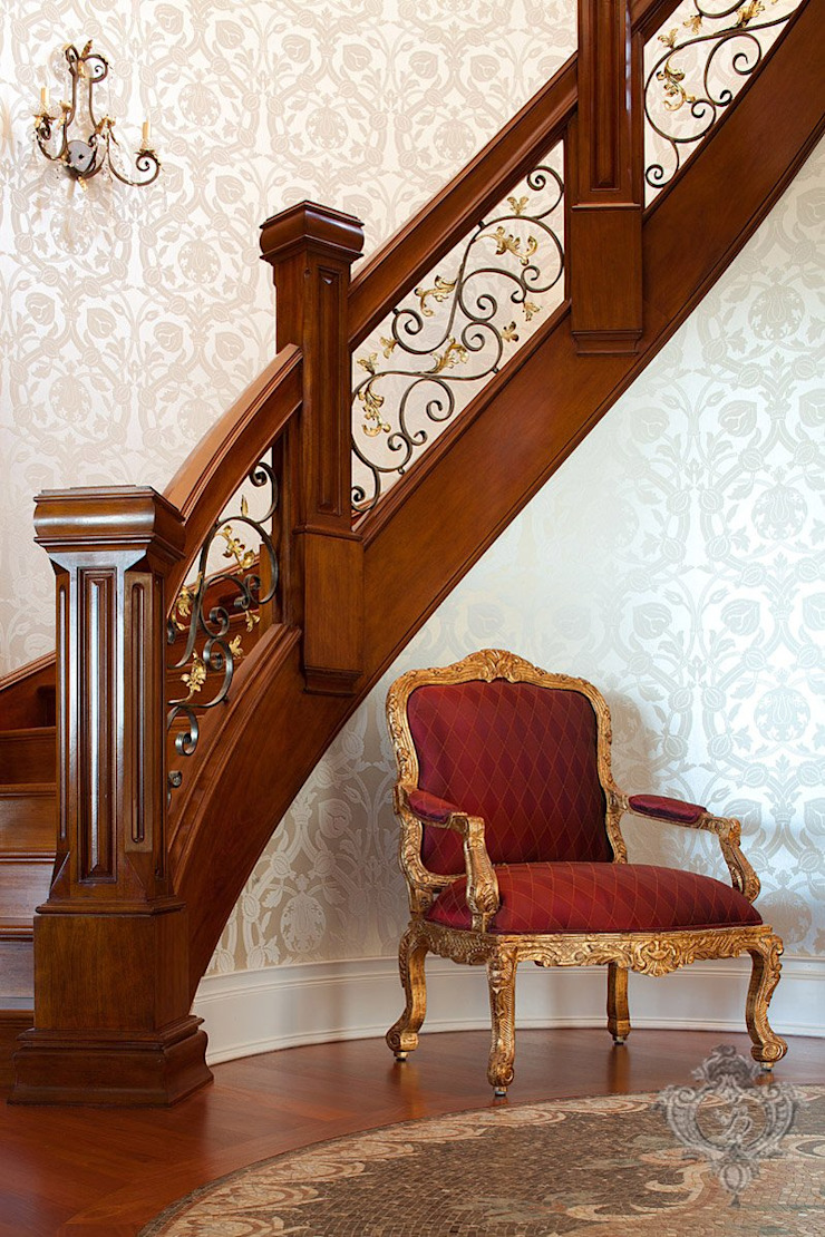 Stairway Kellie Burke Interiors Classic corridor, hallway & stairs