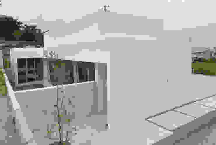 FNKS-HOUSE モダンな 家 の 門一級建築士事務所 モダン
