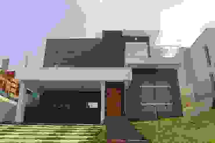 Residência Condomínio Reserva da Serra - Jundiaí Casas modernas por Araujo Moraes Engenharia Arquitetura Moderno Cerâmica