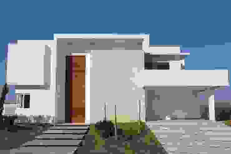 Rumah Modern Oleh Araujo Moraes Engenharia Arquitetura Modern Batu