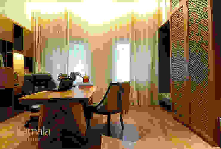 Private Residence @ Gading Serpong Ruang Studi/Kantor Tropis Oleh Kamala Interior Tropis Kayu Wood effect