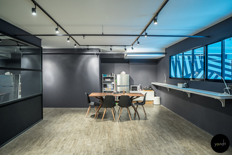 Main office area Industrial style offices & stores by Y&T Pte Ltd Industrial
