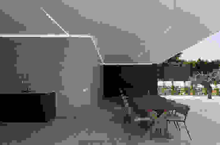 Casas modernas por Raul Garcia Studio Moderno