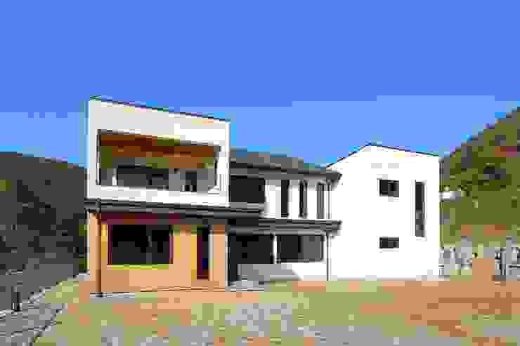 Casas modernas por homify Moderno
