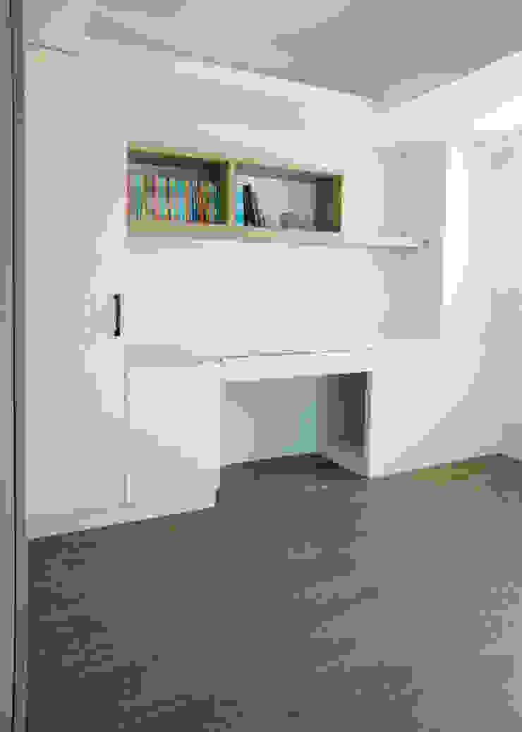 โดย ISQ 質の木系統家具 โมเดิร์น