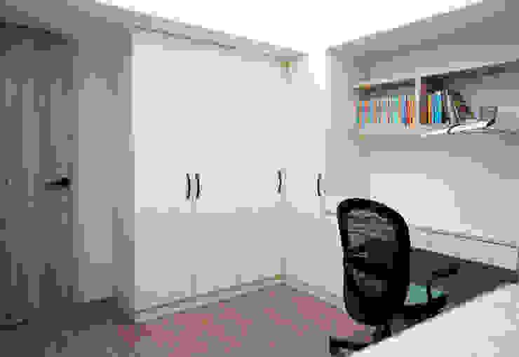 من ISQ 質の木系統家具 حداثي