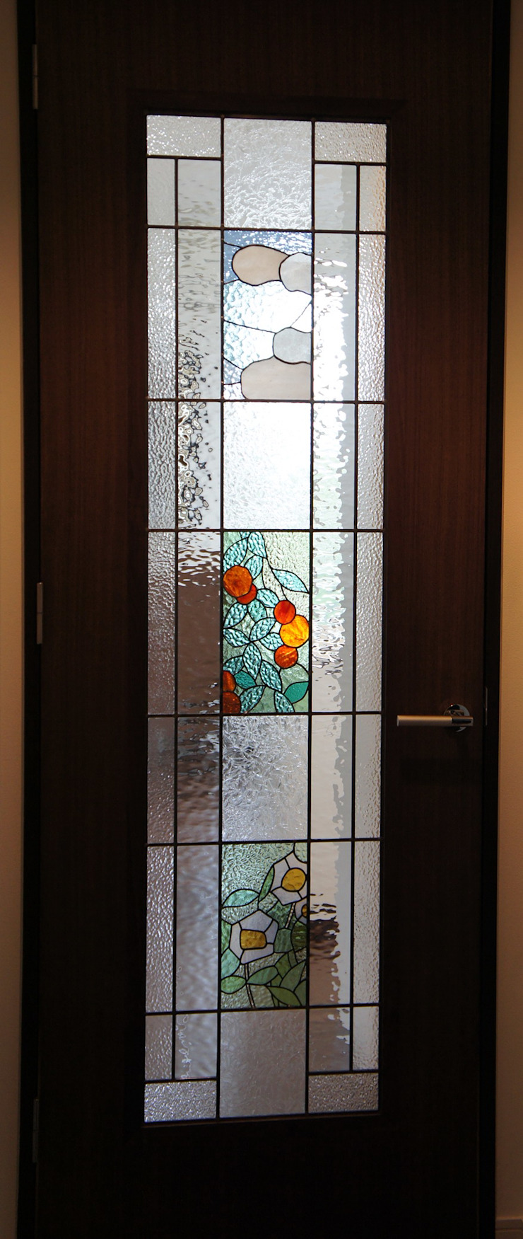マンションリフォーム: タラ工房が手掛けた現代のです。,モダン ガラス