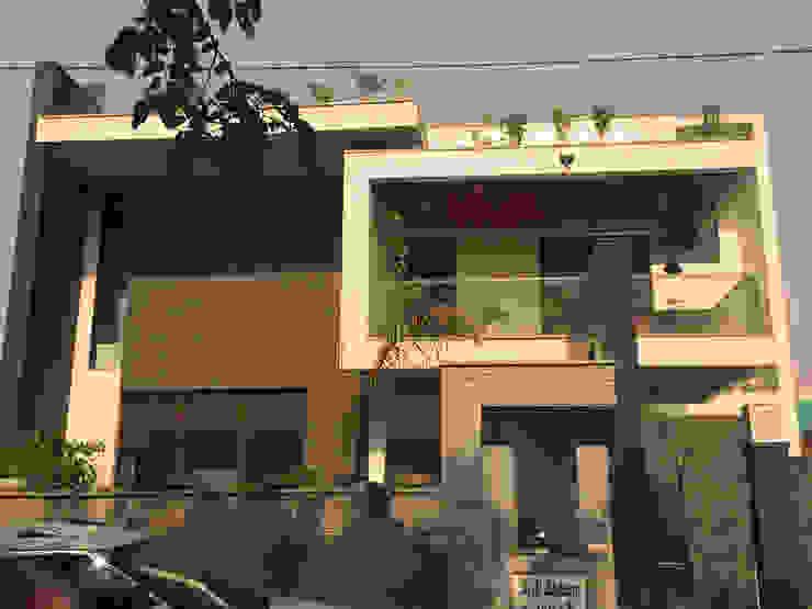 KIRTI BHAWAN APT Designs Modern houses Granite Beige