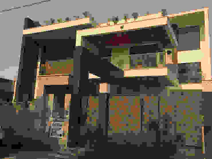 KIRTI BHAWAN APT Designs Modern houses