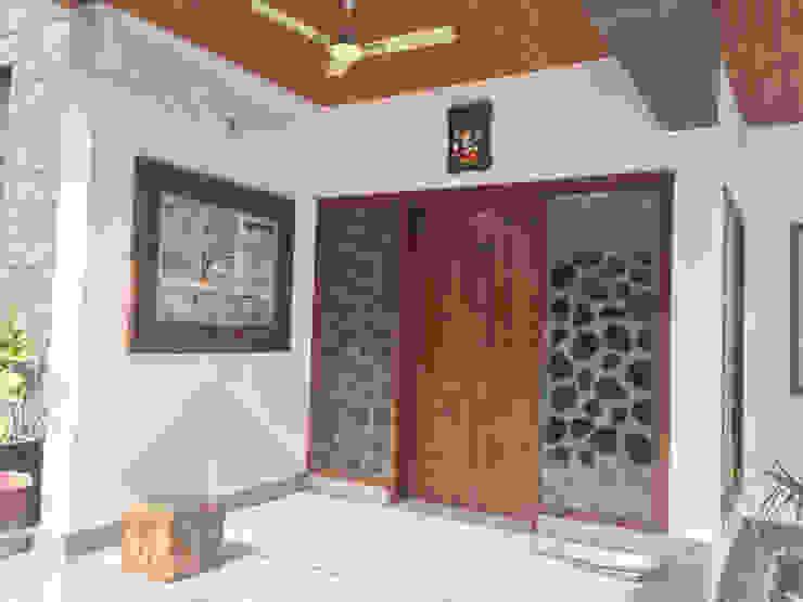 KIRTI BHAWAN APT Designs Modern corridor, hallway & stairs