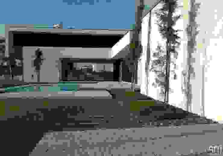 Jardines de estilo  por arquitetura.501, Minimalista