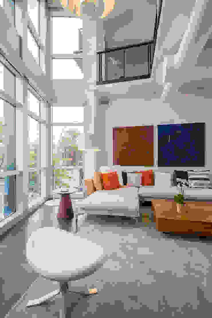 Logan Circle Duplex Modern Living Room by FORMA Design Inc. Modern
