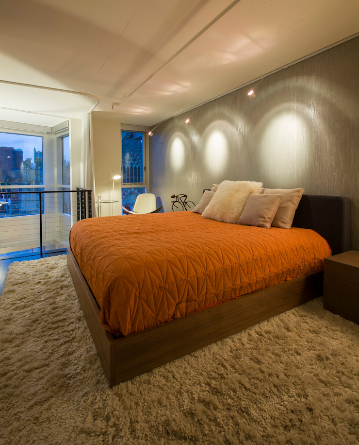 Logan Circle Duplex Modern Bedroom by FORMA Design Inc. Modern