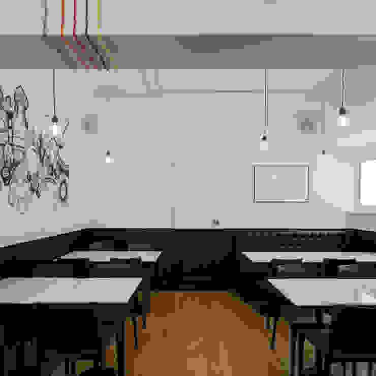 Sala Mundo Espaços de restauração minimalistas por FMO ARCHITECTURE Minimalista