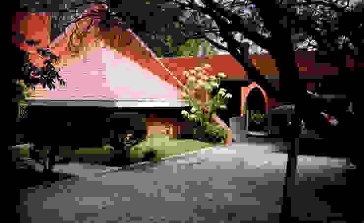 CASA CAMPESTRE-RL RIVERA ARQUITECTOS Casas rústicas