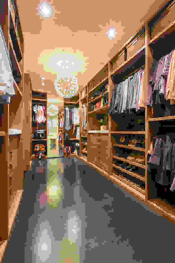 Craftsman Modern Modern Dressing Room by FORMA Design Inc. Modern