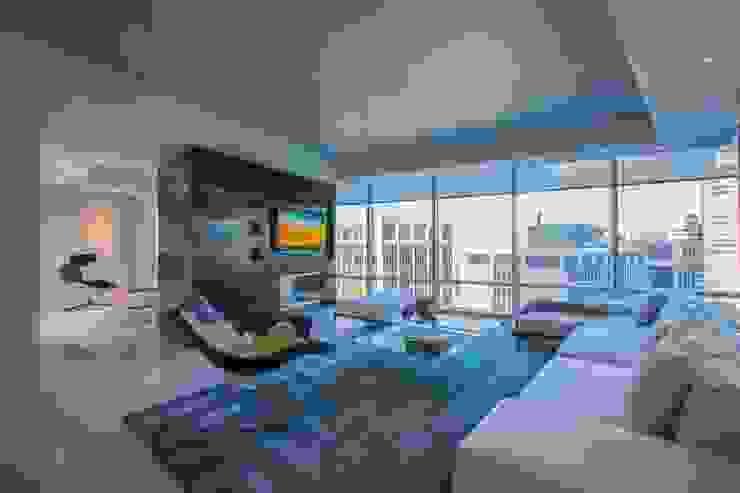 Skyline Flat in Rosslyn Modern Living Room by FORMA Design Inc. Modern