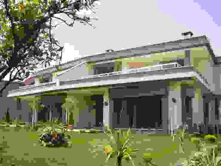 現代房屋設計點子、靈感 & 圖片 根據 SAYTAS SABUNCUOGLU YAPI VE TIC.LTD.STI. 現代風