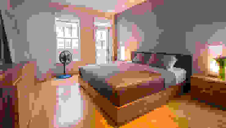 Loft in Arlington Modern Bedroom by FORMA Design Inc. Modern