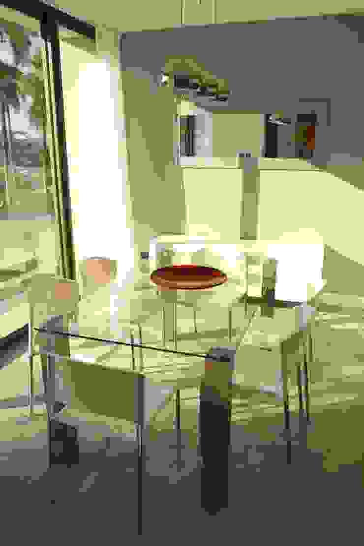 Living y Hall Acceso Livings modernos: Ideas, imágenes y decoración de Estudio Karduner Arquitectura Moderno Aluminio/Cinc