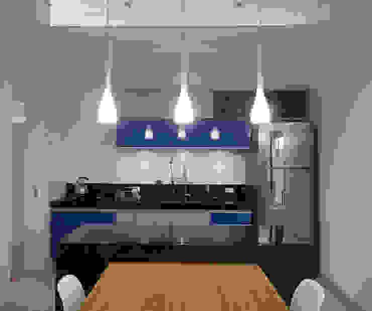 minimalist  by D' Freitas Arquitetura, Minimalist Granite