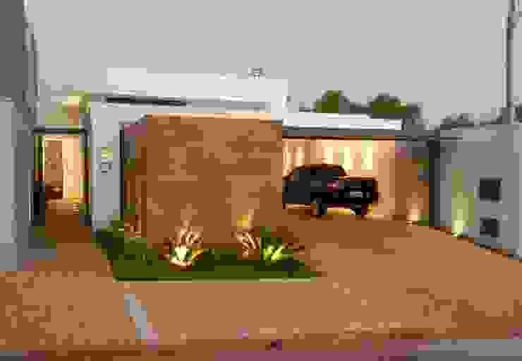 Moderne Häuser von D' Freitas Arquitetura Modern Holz Holznachbildung