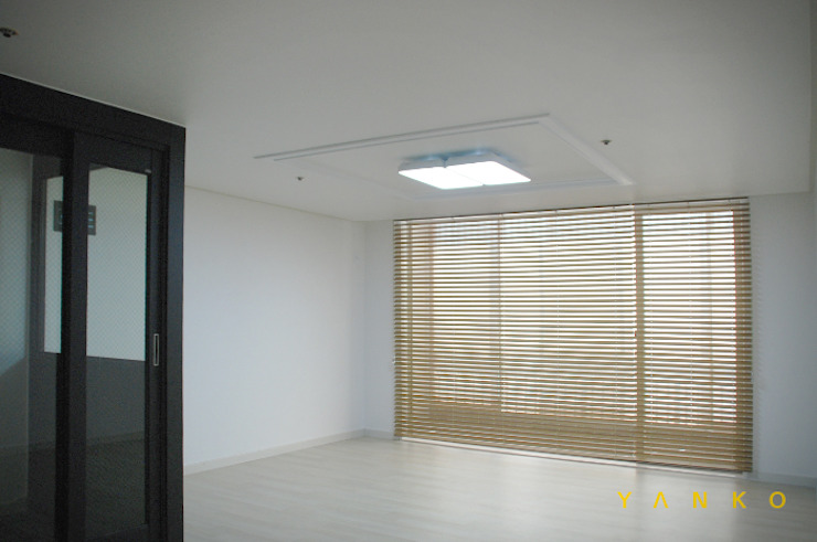 용인 수지 동보아파트 32평 모던스타일 거실 by 얀코인테리어 모던