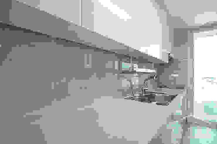 얀코인테리어 Modern kitchen