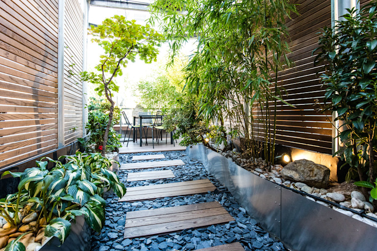 untere Terrassenebene cy architecture Moderner Balkon, Veranda & Terrasse
