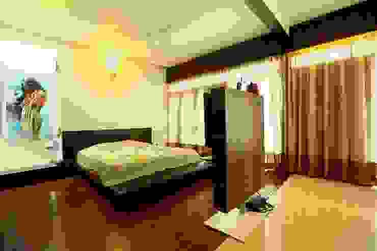 Master Bedroom Modern style bedroom by Space Trend Modern