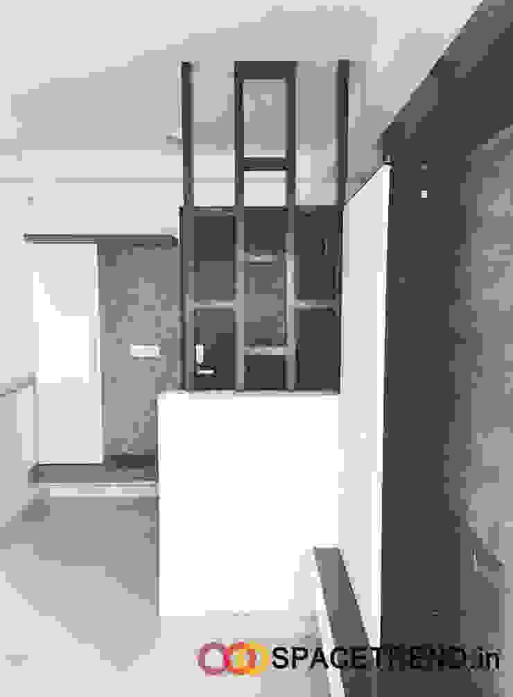 Foyer Minimalist living room by Space Trend Minimalist