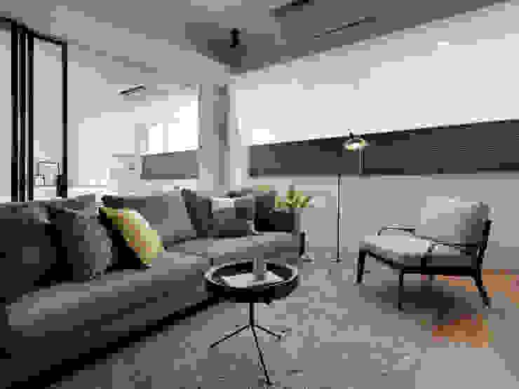 客廳 现代客厅設計點子、靈感 & 圖片 根據 御見設計企業有限公司 現代風