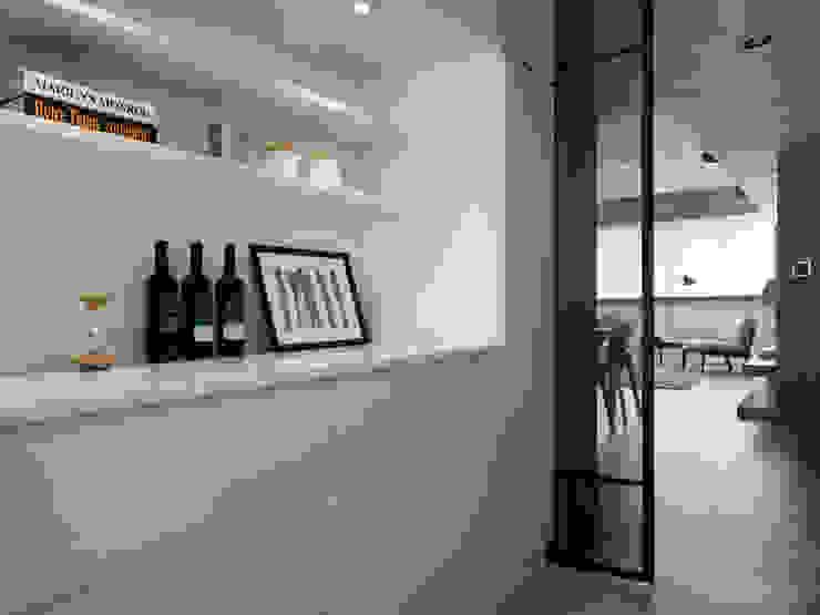 廚房 現代廚房設計點子、靈感&圖片 根據 御見設計企業有限公司 現代風