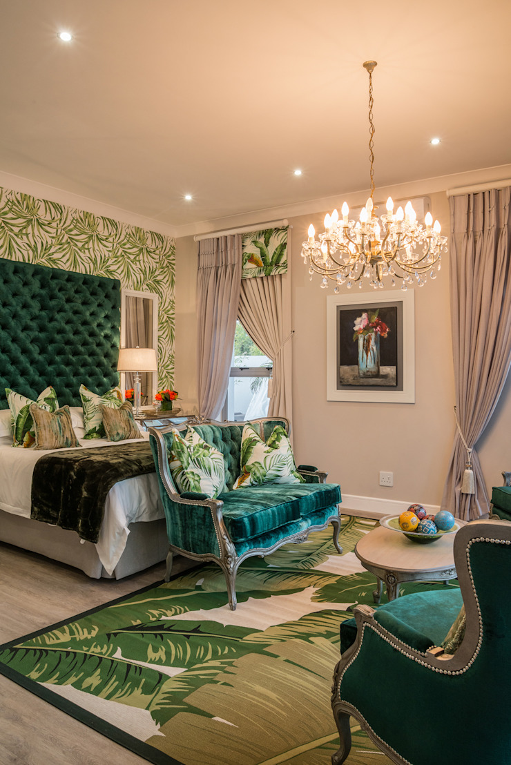 Main Bedroom. Classic style bedroom by Carne Interiors Classic