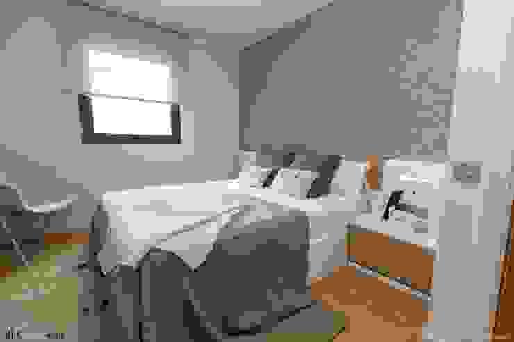 Mediterranean style bedroom by Pia Estudi Mediterranean