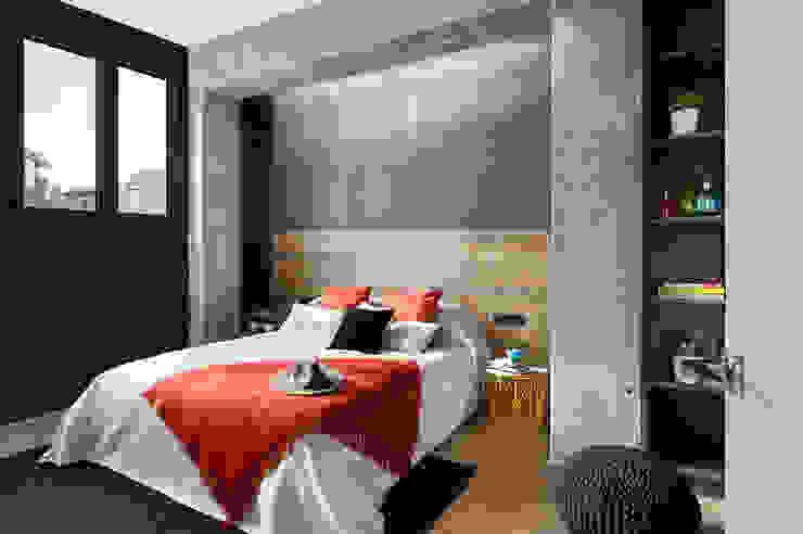 Poblenou in 3 acts Phòng ngủ phong cách công nghiệp bởi Egue y Seta Công nghiệp