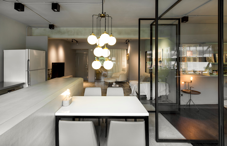 Salas de jantar minimalistas por 磨設計 Minimalista
