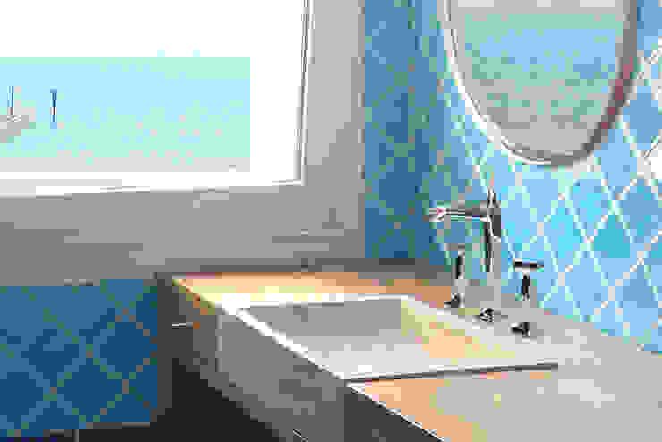 地中海スタイルの お風呂・バスルーム の Filippo Coltro architetto 地中海