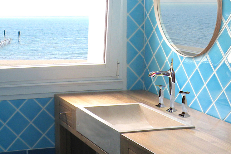 Mediterranean style bathrooms by Filippo Coltro architetto Mediterranean